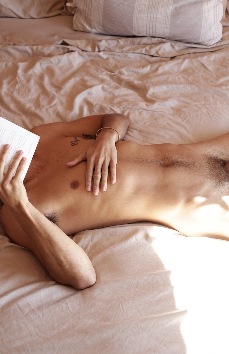 Nude mature stretchmarks