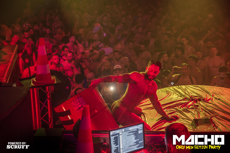Actuacion Porno Gay macho: la fiesta gay más fetichista llega a madrid