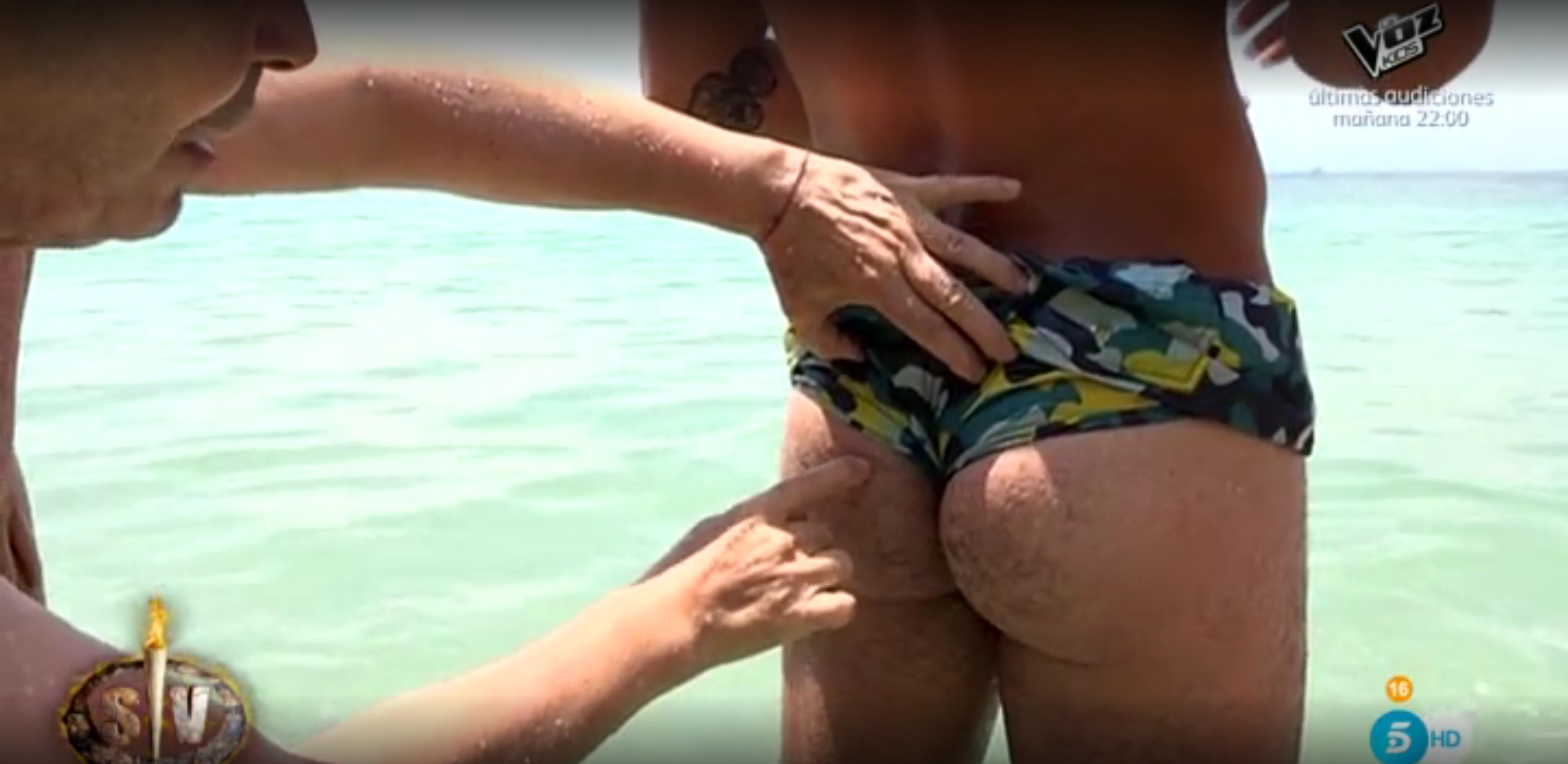 Actor Porno Gay De Supervivientes el maestro joao lee el futuro tocando los culos de los