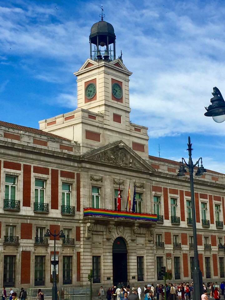 Madrid una ciudad comprometida con el colectivo lgtb for Puerta del sol hoy en directo
