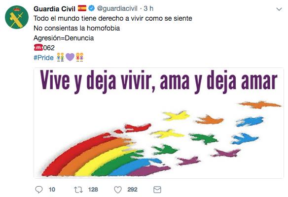 Con motivo del Día Mundial de las Familia, que se celebra cada 15 de mayo, la Guardia Civil quiso hacer un guiño en su Twitter al colectivo LGTB.