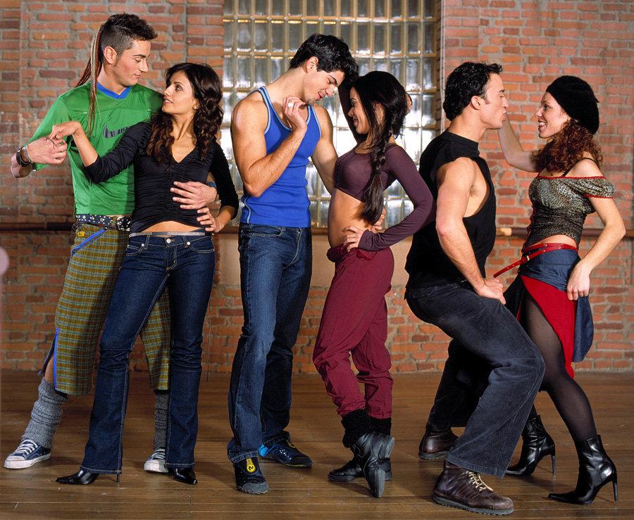 Miguel Ángel Muñoz recuerda su paso por Un paso adelante y UPA dance, con beso gay incluído