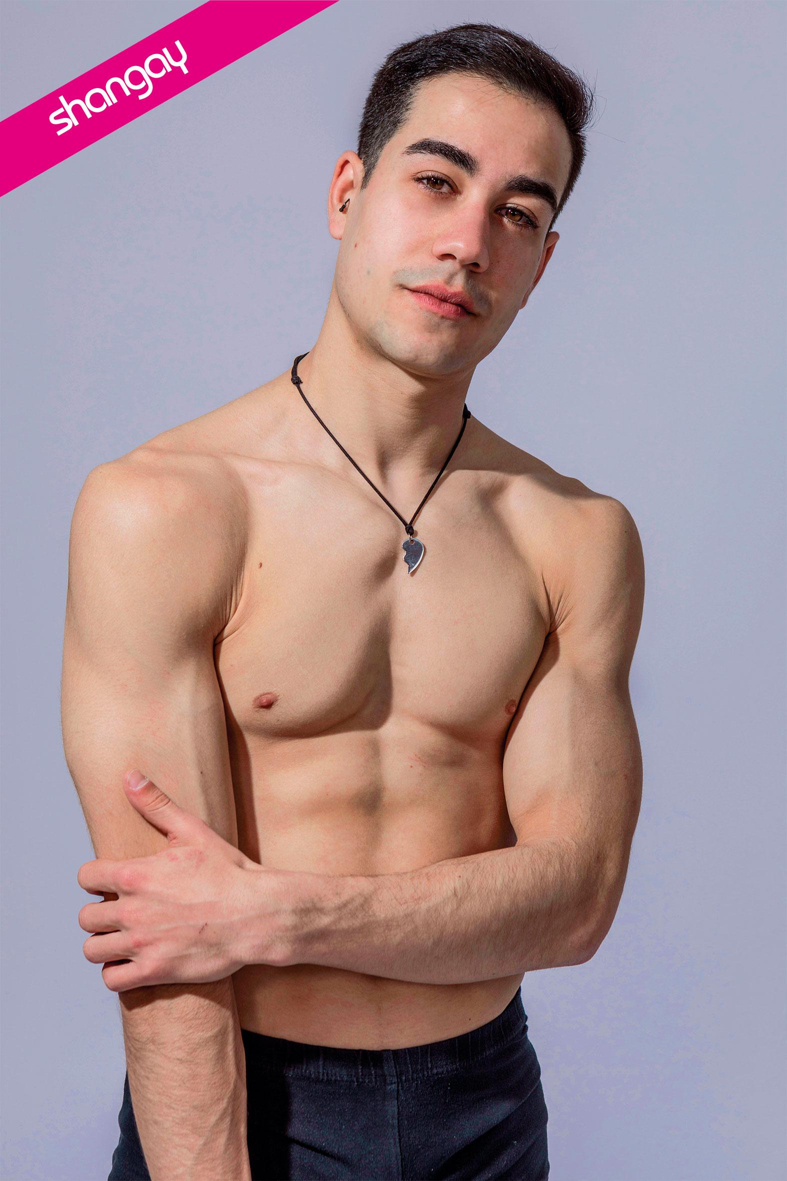 GAY TORREJON NI COBRO