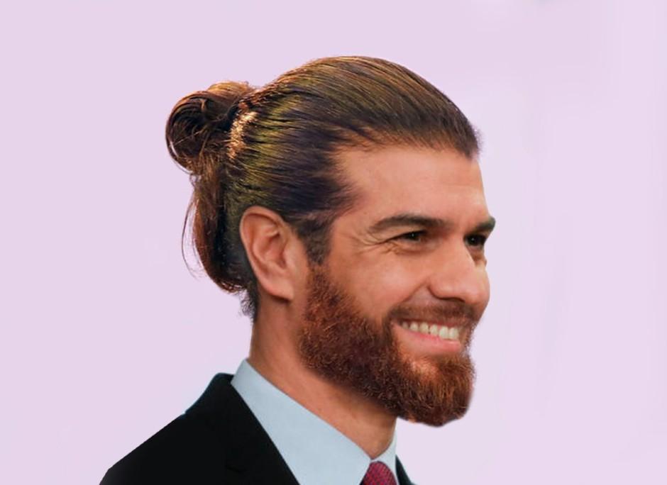 Pedro Sánchez con pelazo y barbita